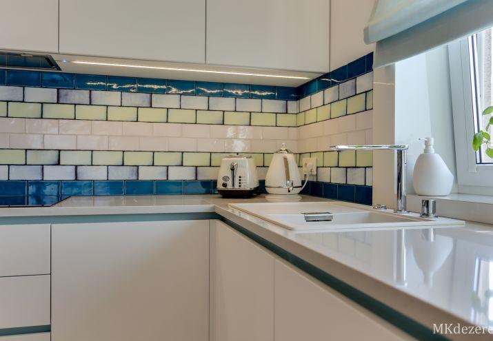 Płytki cegiełki w kuchni - kolory.